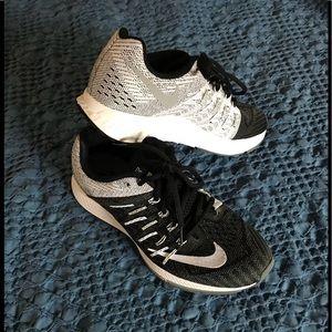 Nike Zoom Elite 8 black and white running shoe